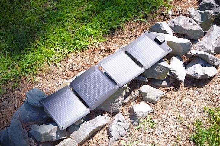 enerplex-kickr-iv-solar-charger-01