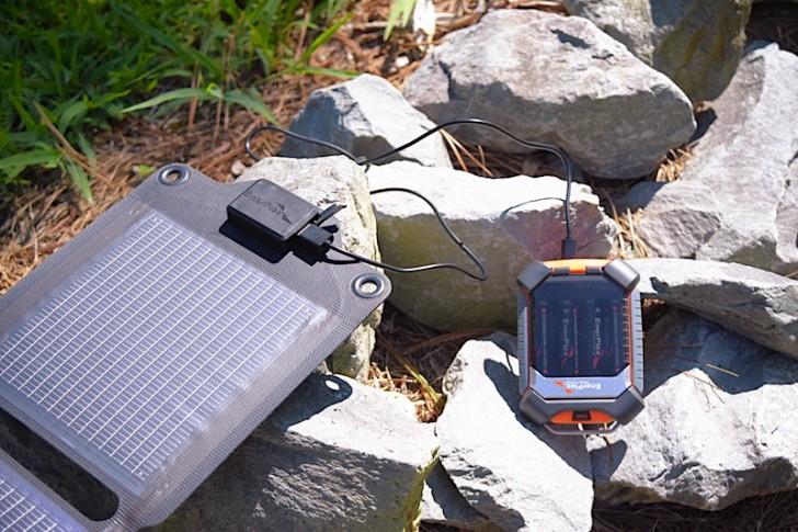 enerplex-kickr-iv-solar-charger-02