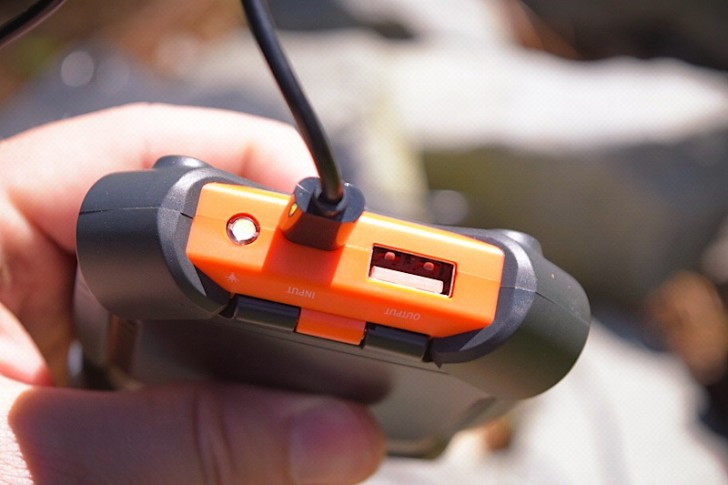 enerplex-kickr-iv-solar-charger-03