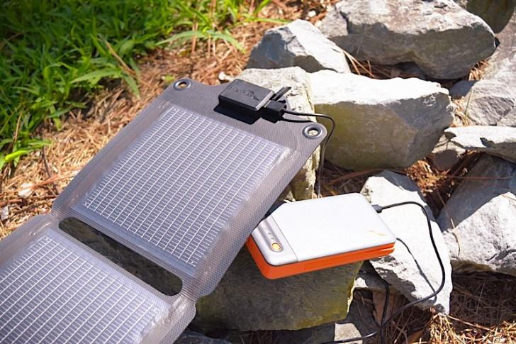 enerplex-kickr-iv-solar-charger-06