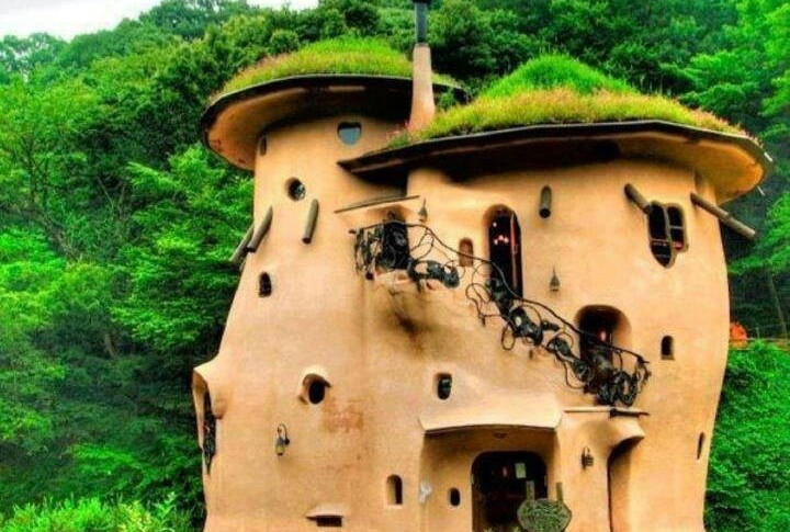 Green Building Cob House