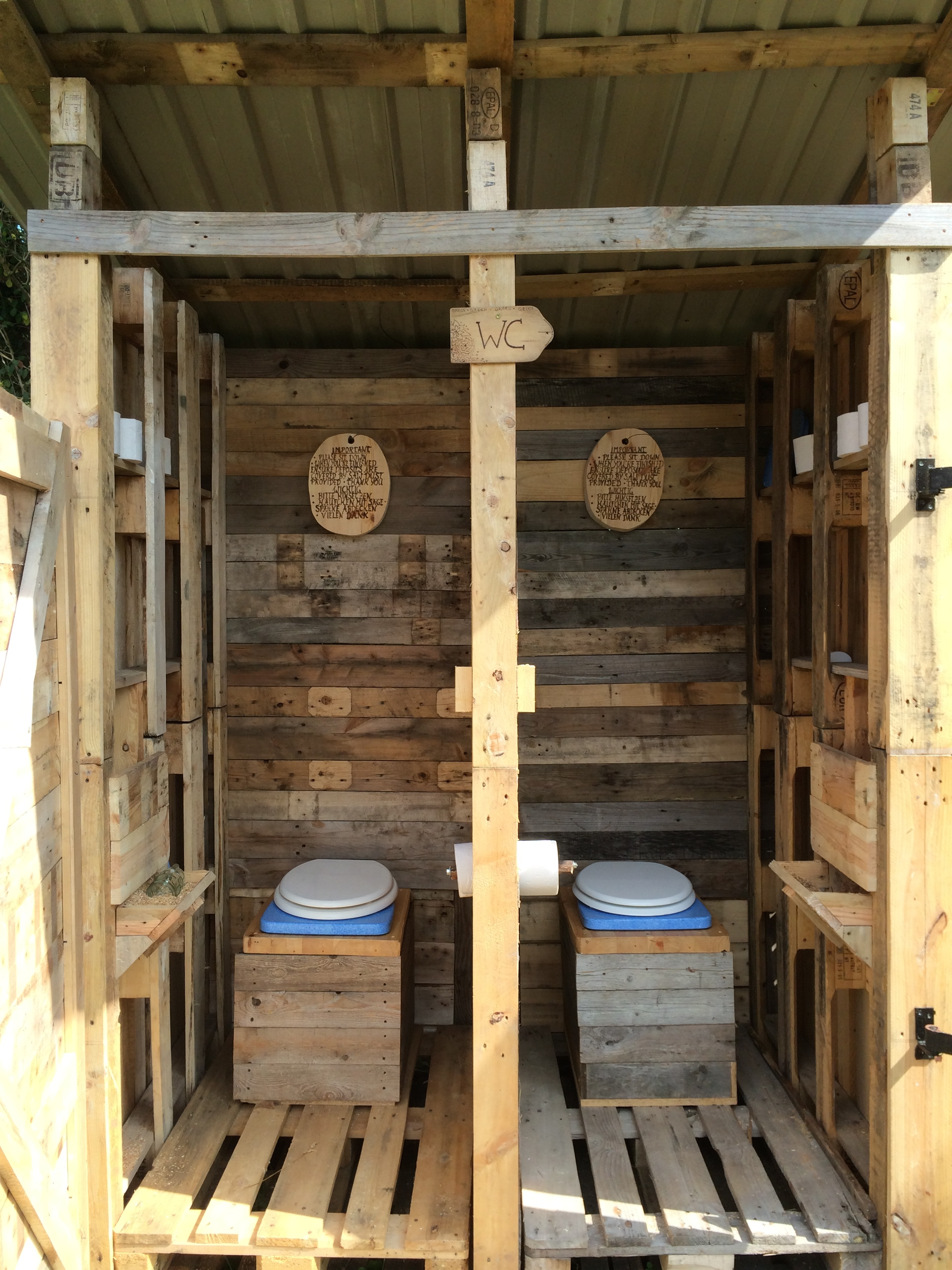 14 Amazing DIY Wood Pallet Projects