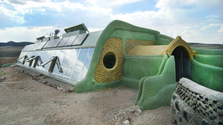 Self Sustaining Homes in the Desert