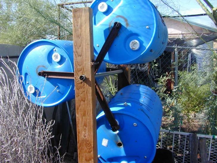 Spinning 55 Gallon Drum Compost Bins