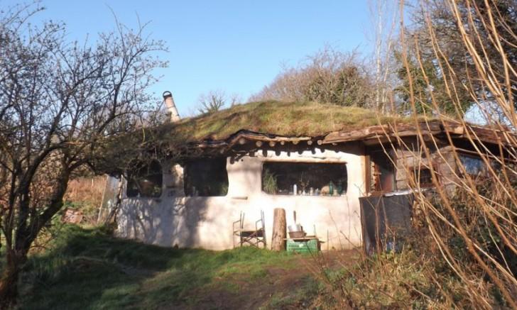 Roundhouse Hobbit Homes