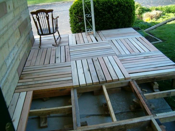Porch from Pallet Projects