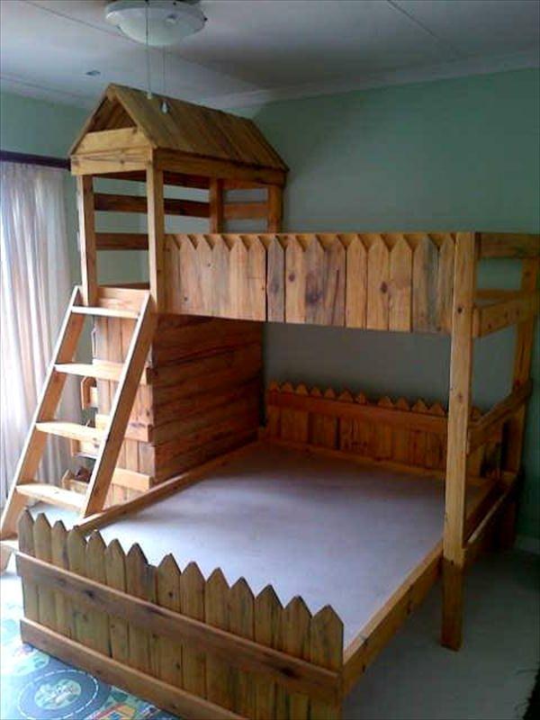Castle Pallet Bunk Bed