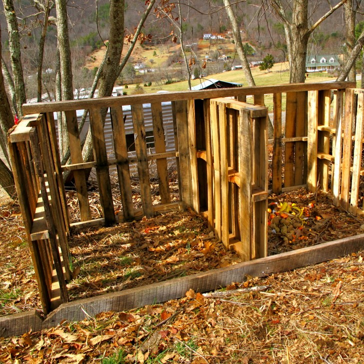 Compost Shed Pallet Project